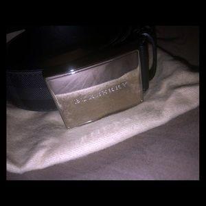 Men's Burberry checker belt $495 size 34